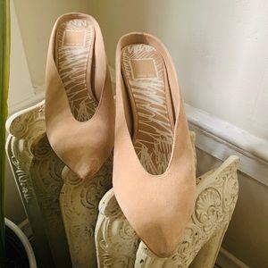 Dusty Pink suede size 7 heels